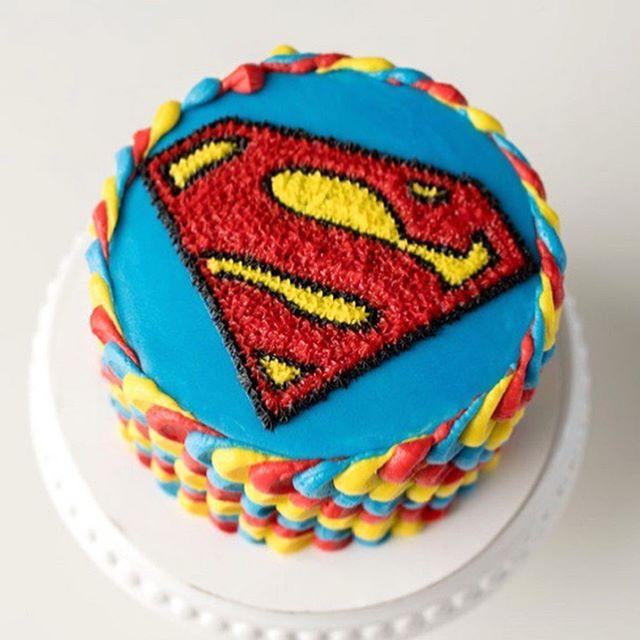 Superman Buttercream Cake Superhero Birthday Cake Superman Birthday Cake Superman Cakes