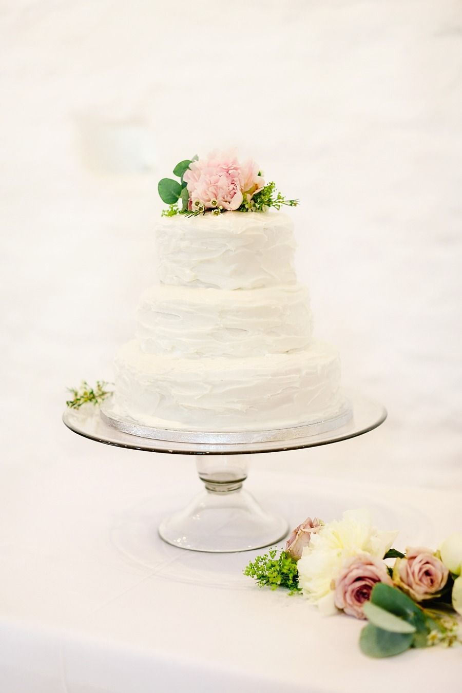Romantic Cotswolds Wedding at Thyme Barn | Classic wedding cakes ...