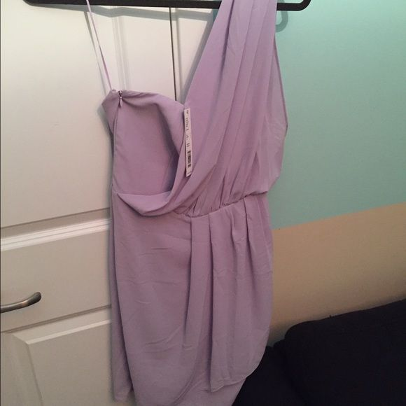 Gianni Bini lilac one shoulder dress NWT - Short, lilac colored dress.  Strapless fit and one shoulder chiffon strap. Toga/Grecian style. Gianni Bini Dresses One Shoulder