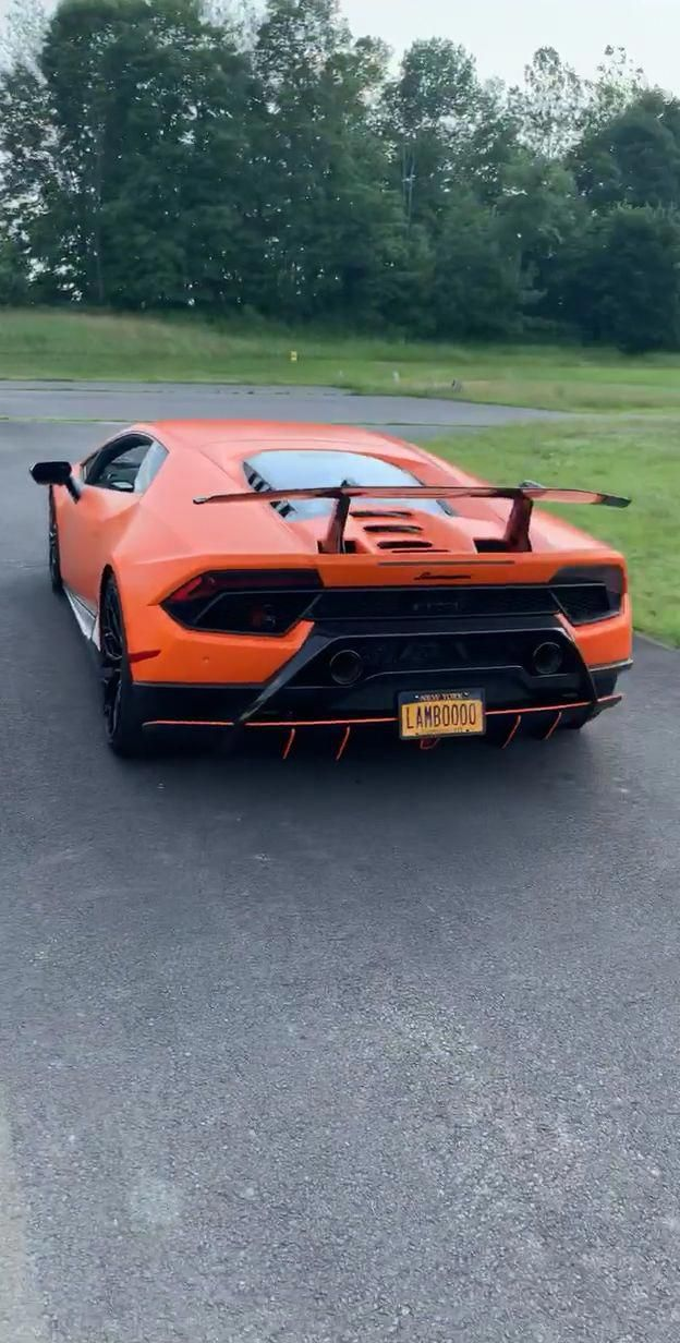 YOU GET THE KEYS TO ONE HURACAN PERFORMANTE