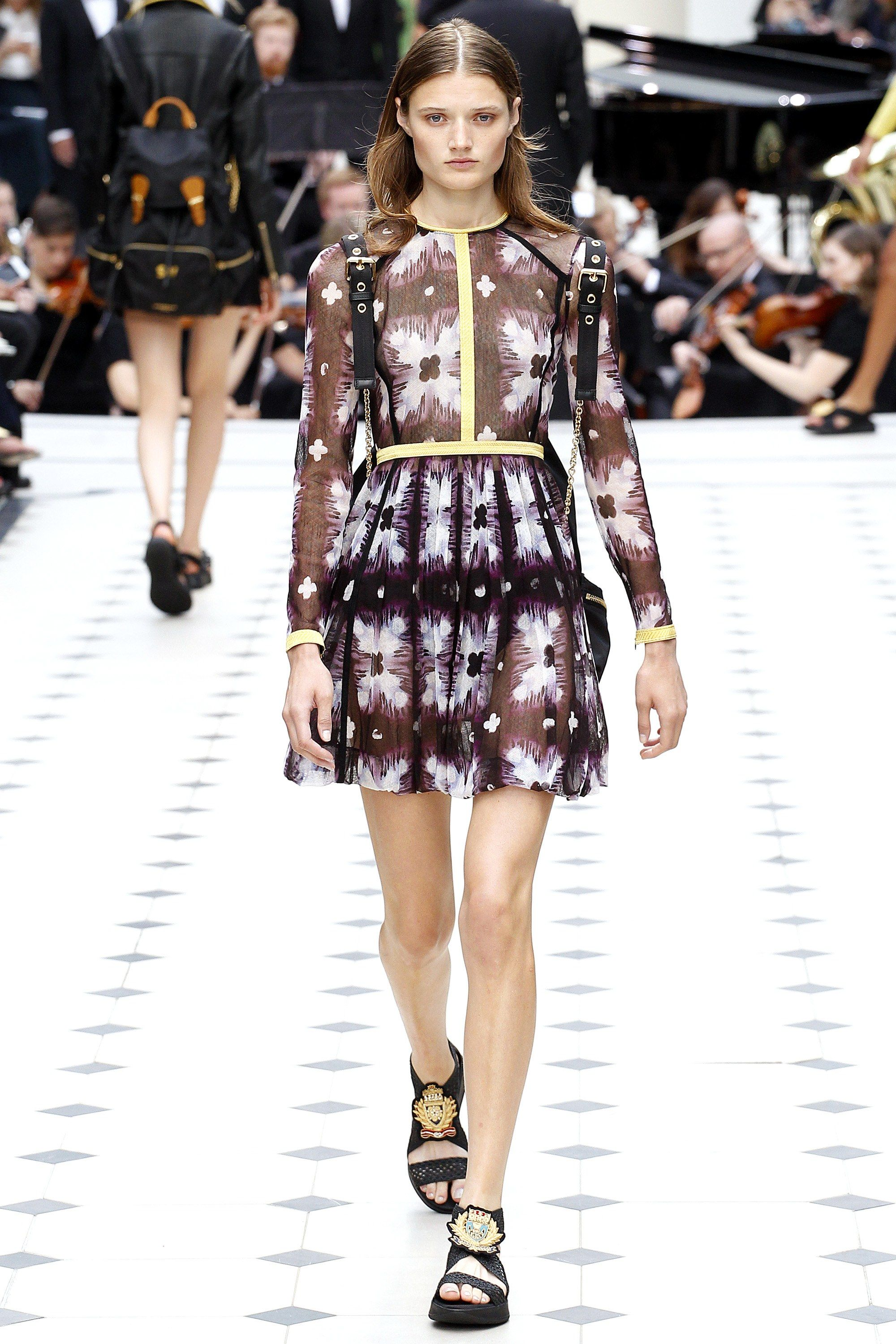 Burberry Prorsum Spring 2016 Ready To Wear Collection Vogue Fashion Fashion Week London Fashion Week