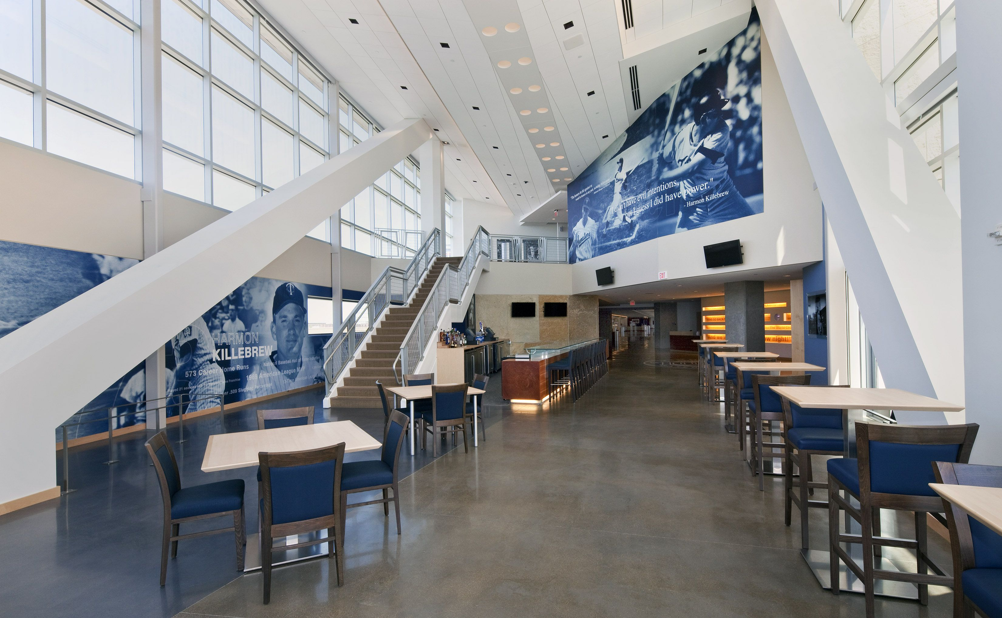 Target Commercial Interiors The Minnesota Twins Celebrated Their 50th Season In 2010 With A Return To Outdoor Baseball At Field