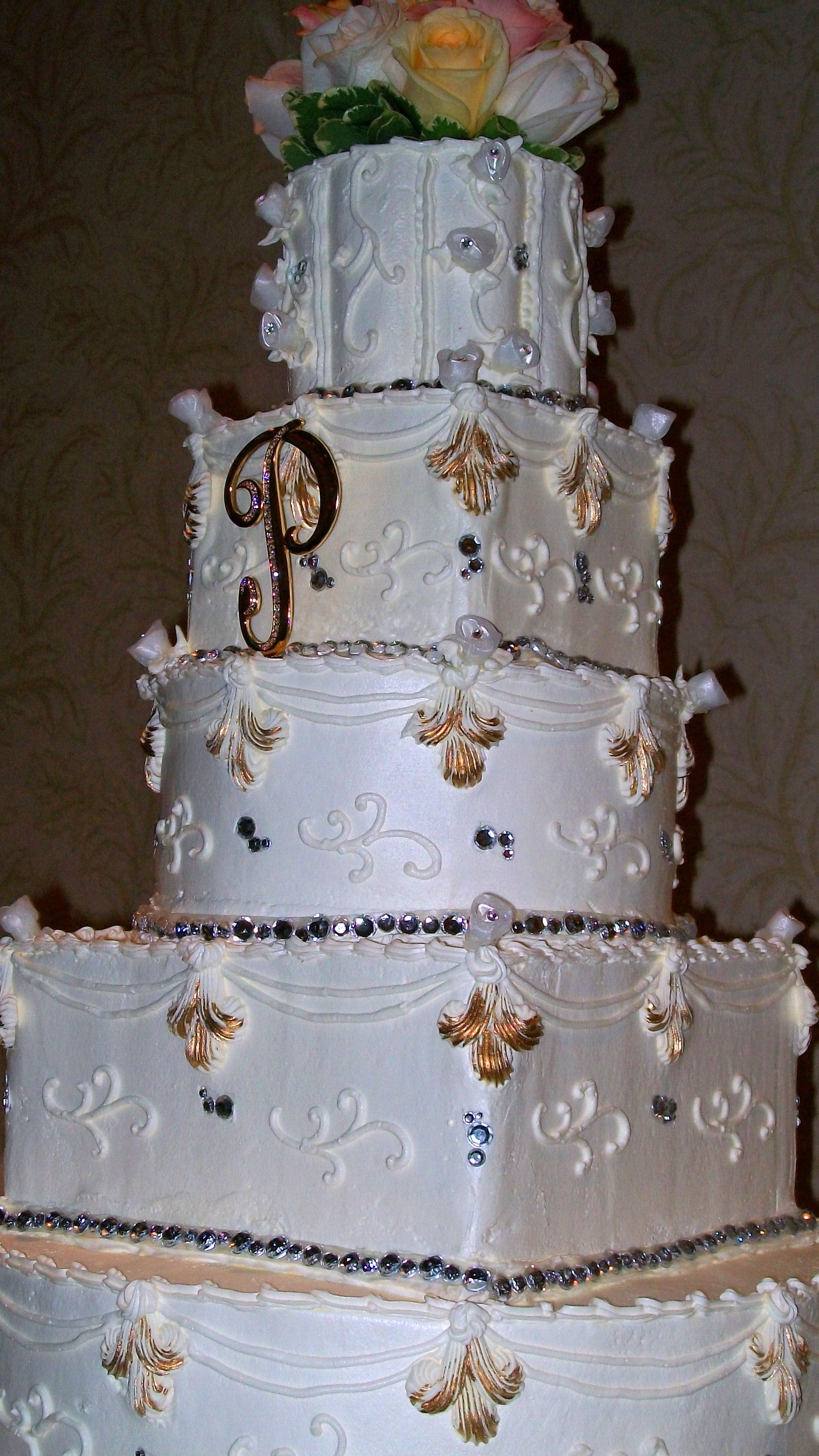 Elaborate Wedding Cake With Gold Accents Roma Bakery Crowne