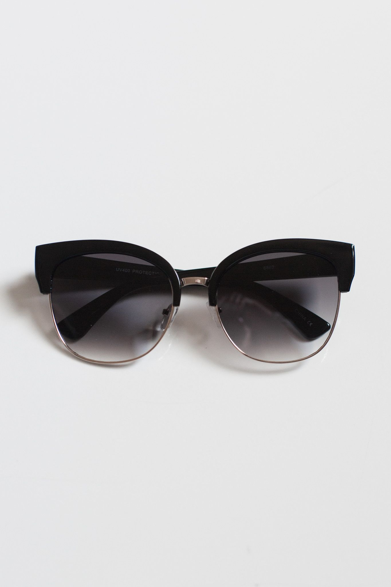 """Vintage inspired half frame sunnies. Measures approx. 6"""" x"""