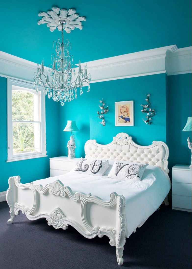 Modern And Edgy Bedroom In Turquoise And White Turquoise Room Eclectic Bedroom Bedroom Turquoise
