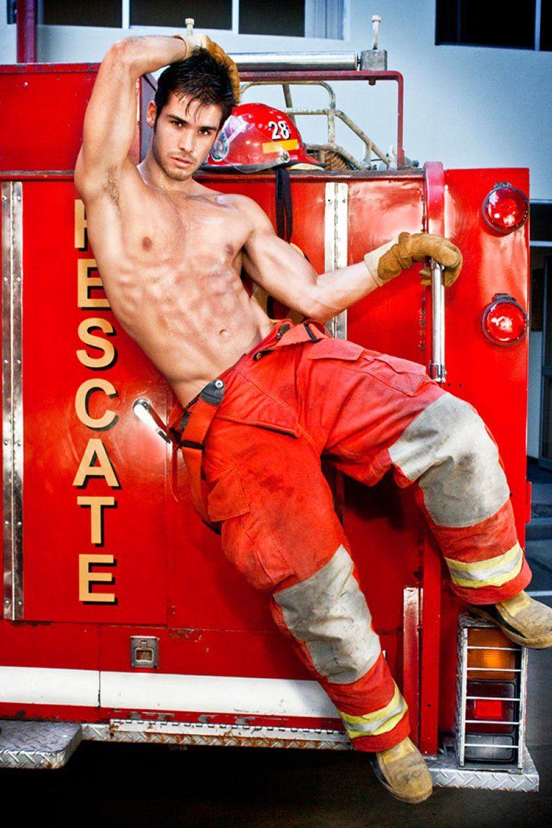 model-fat-naked-fireman-electra