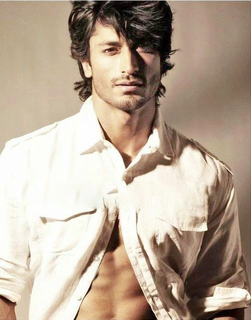 Hey Girl I Heard My Angel S Teachers Are Being A Bunch Of Sobs To My Baby Do You Want To Eat Icecream While Vidyut Jamwal Celebrities Male Indian Male Model