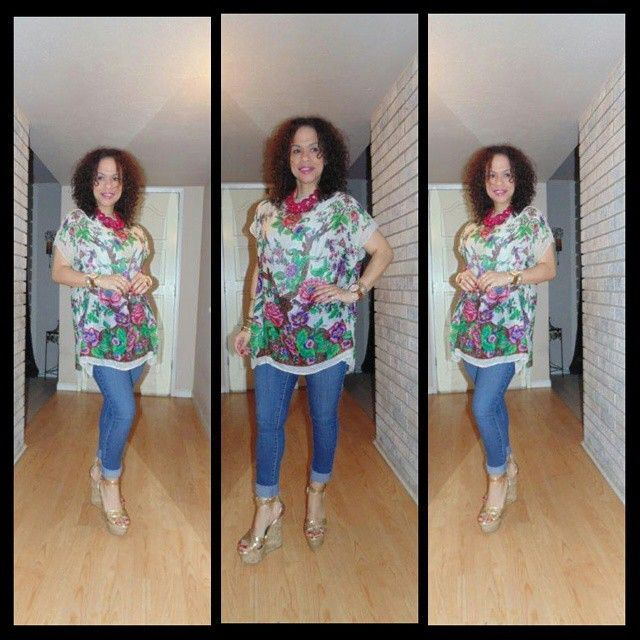 OOTD: Vintage Silk Poncho & ‪#‎Rayleen‬! To read more about this ‪#‎LatinaFashionDiary‬ visit www.facebook.com/MadForFashionForLess ‪#‎latinafashiondiaries‬ ‪#‎latinafashionblogger‬ ‪#‎outfitideas‬ ‪#‎lookforless‬ ‪#‎ilycouture‬ ‪#‎FashionOver30‬ ‪#‎StilettoSociety‬ ‪#‎ambsdr‬ ‪#‎StyleHunters‬ ‪#‎realoutfitgram‬ ‪#‎vintage‬ @shoedazzle