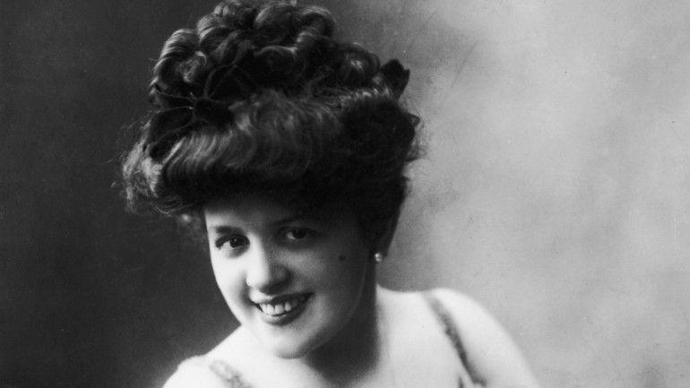 O que era uma mulher bonita há 100 anos? - Observador