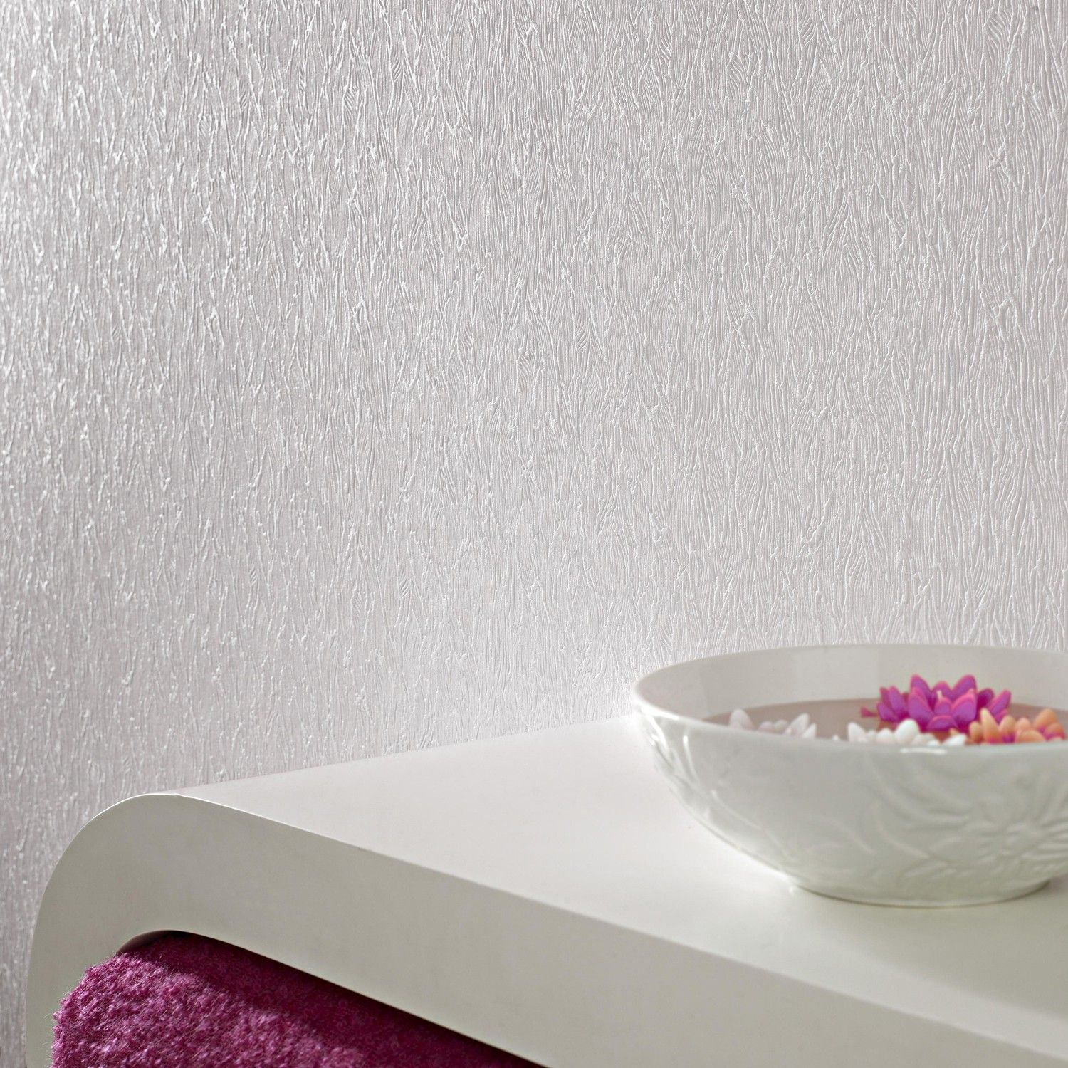 Textured wallpaper looks fresh and bright when left