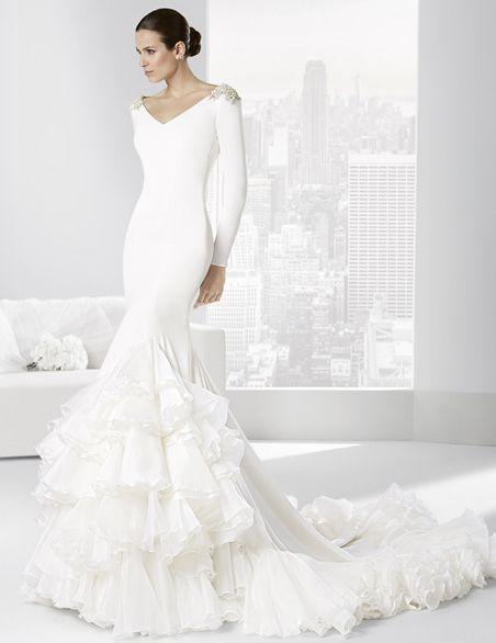 vestidos-de-novia-gitana-pedrería-en-los-hombros,sencillo pero