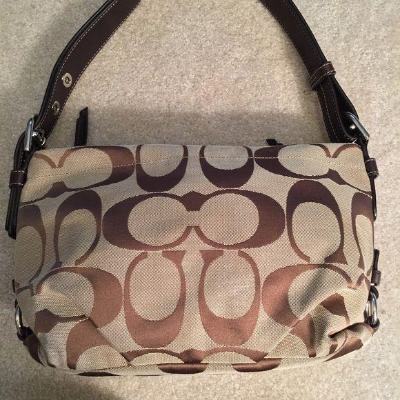 06dcd2519254 Real Coach SignatureFabric Purple Interior Handbag This beautiful Coach  handbag is Coach s signature tan fabric with