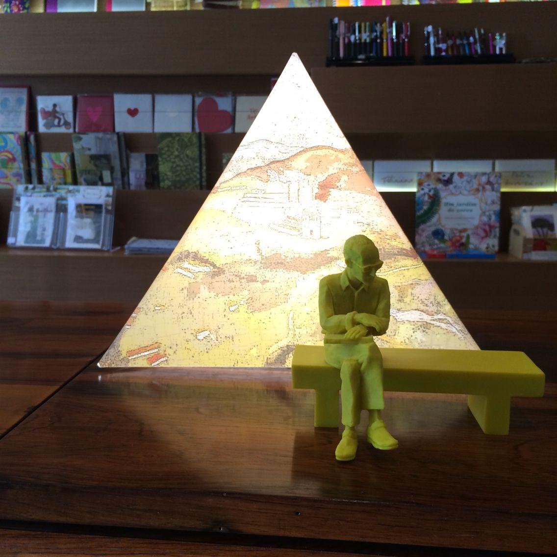 Luminaria Leve E Escultura De Cda Esculturas