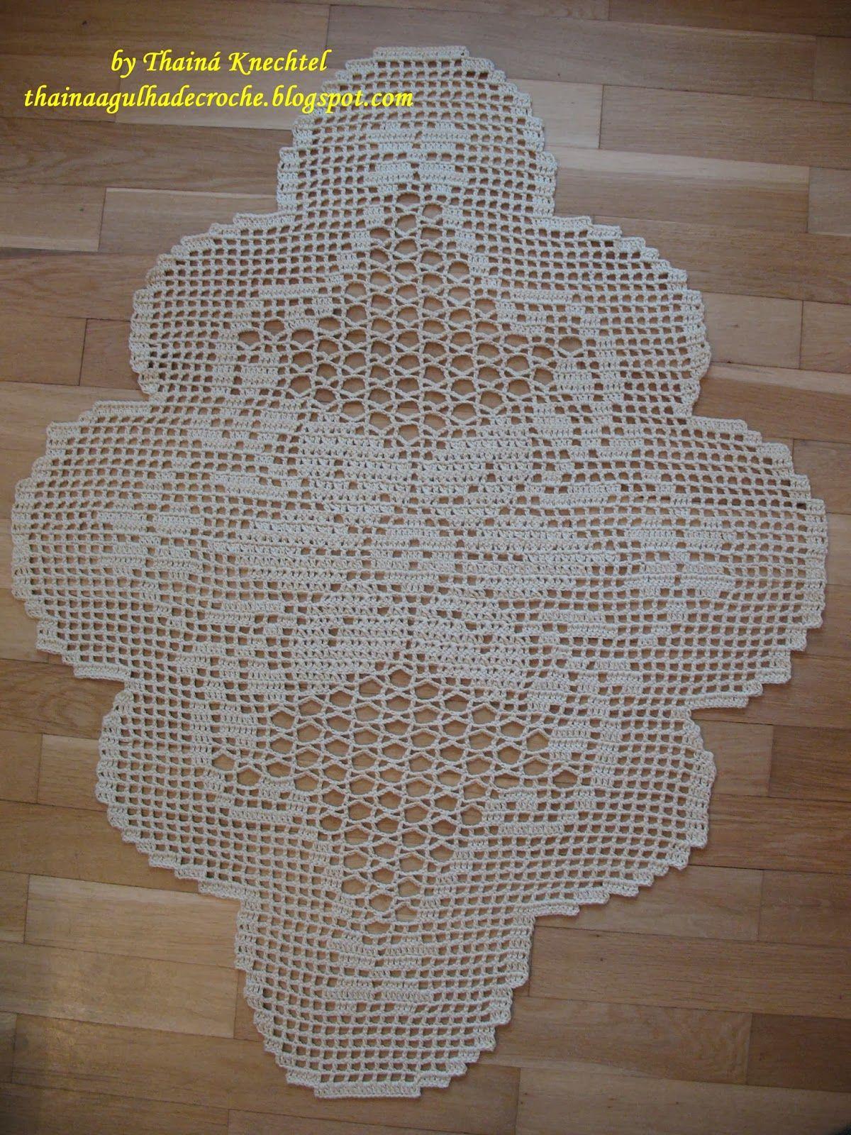 Thainá Agulha de Crochê: Caminho de mesa em crochê / Gehäkelter ...