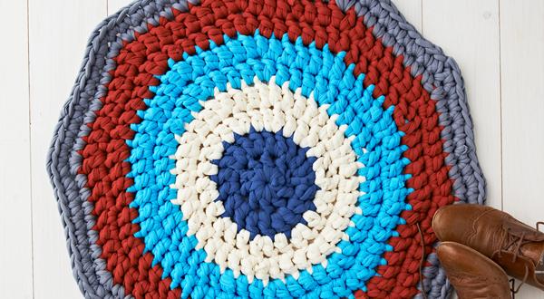 En este tutorial se explica cómo hacer una alfombra de trapillo ...
