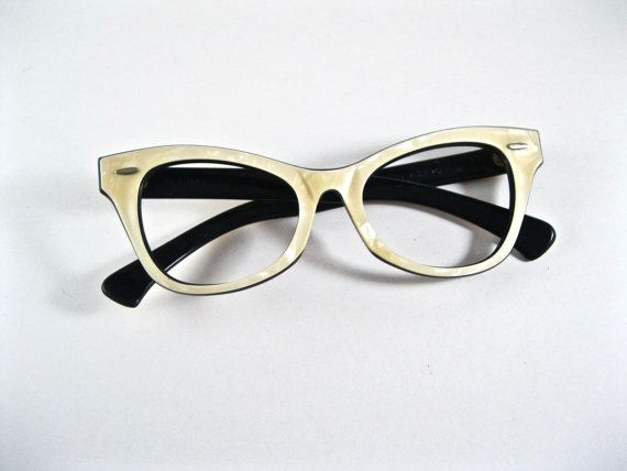 224564fb1 Ray-Ban vintage cat eye white mother of pearl layered sunglasses frames.  horn rimmed wayfarer Lisbon style.