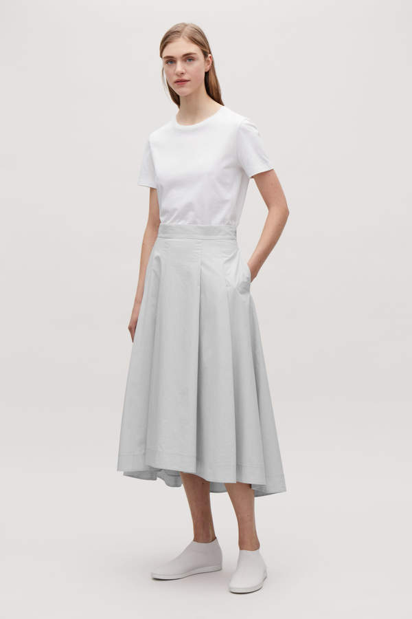 Cos VOLUMINOUS SKIRT WITH PLEATS Cos 23cd15db5ca