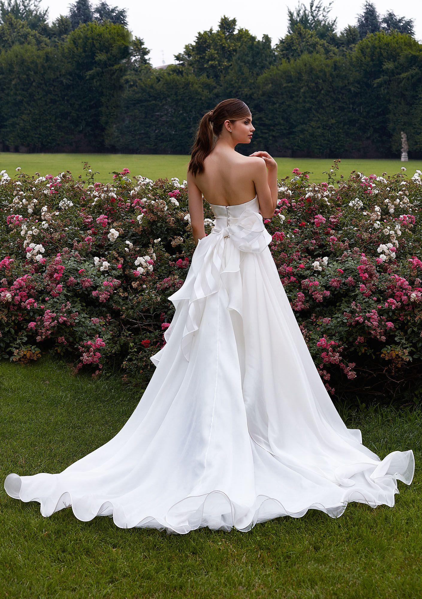 56c8b2f1f11a MODELLO 1818 Abito da sposa in organza di seta pura con fiocco haute  couture in con