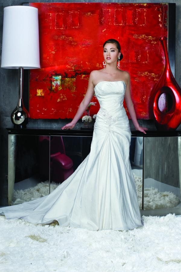 Formal Modern Modest Ivory White $$ - $701 to $1500 Beading DaVinci Bridal Dropped Fit-n-Flare Floor Flowers Ruching Silk Sleeveless Square Strapless Wedding Dresses Photos & Pictures - WeddingWire.com