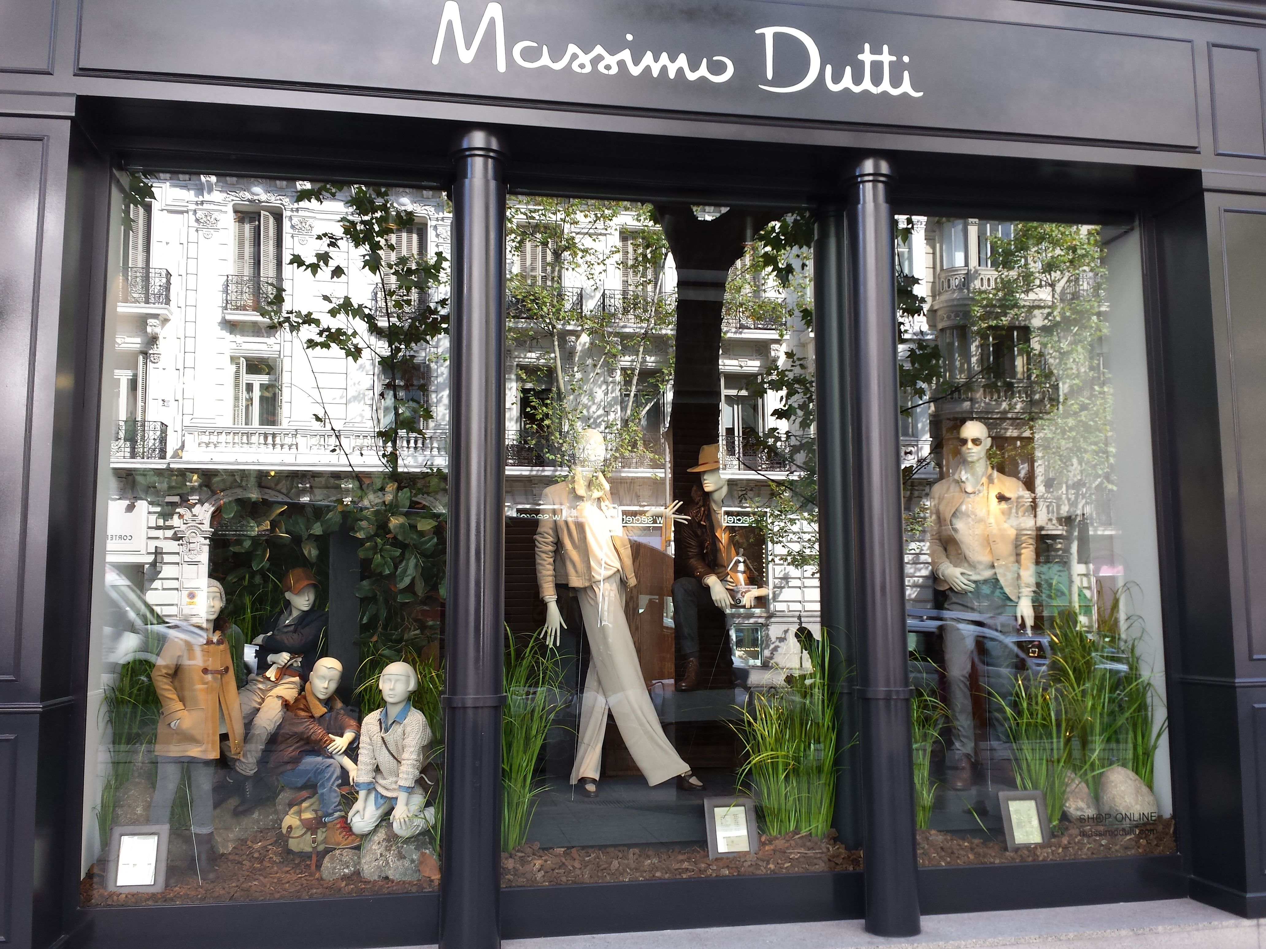 New Massimo Dutti Flagship In Madrid Find Out All Details On My  # Muebles De Massimo Dutti