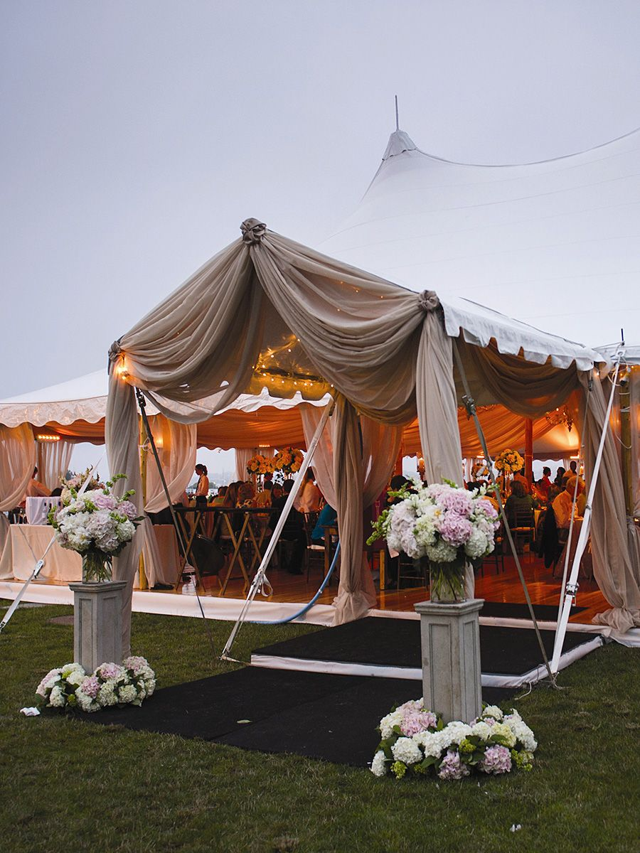 The Prettiest Outdoor Wedding Tents We Ve Ever Seen Wedding Tent