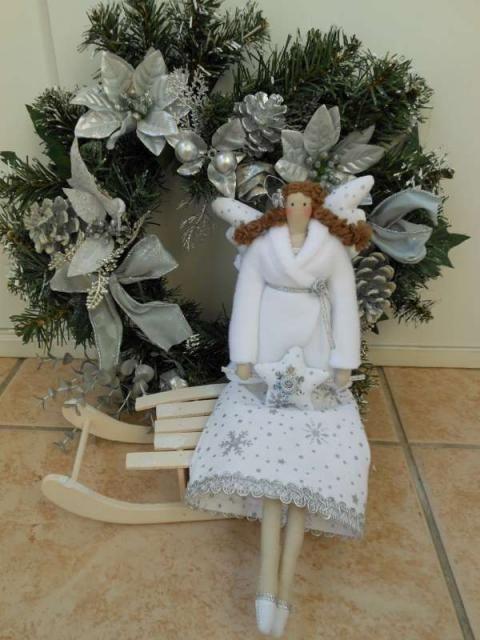 Zimná verzia bábiky Tildy:) Winter version of Tilda doll. She is so cute:)