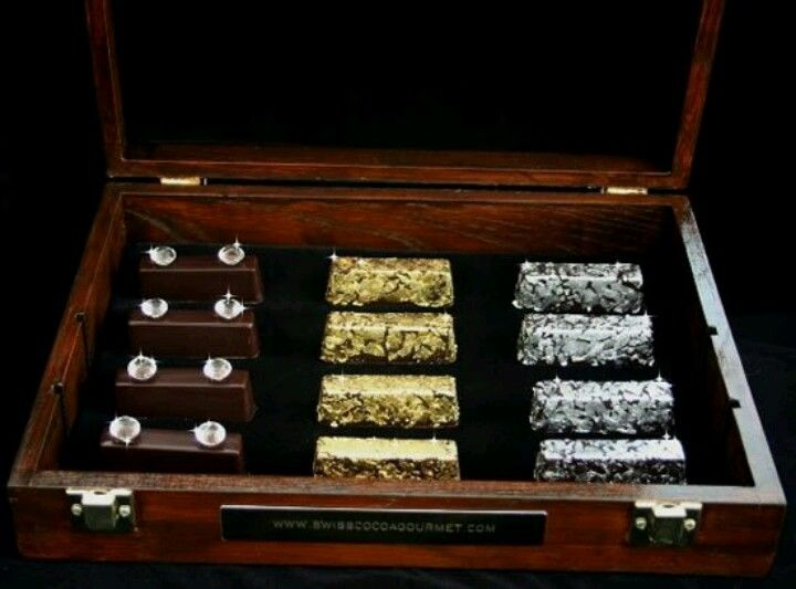Gold and Diamond chocolates, these chocolates comes from the Royal Collection of Cocoa Gourmet, by the way the metals are edible! The net worth of this chocolate sets to be $1,250.