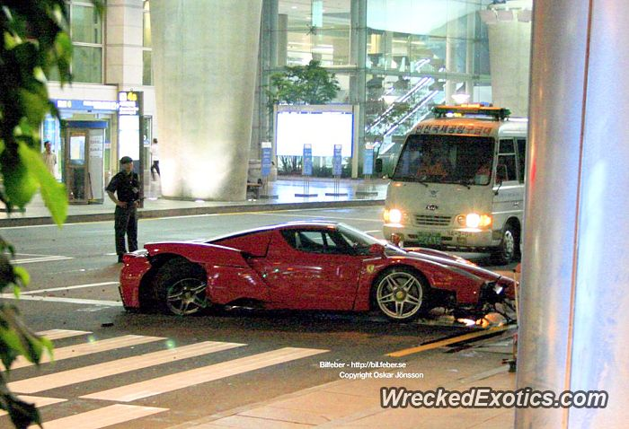 Ferrari Enzo Crashed In Seoul South Korea Car Crash Expensive Cars Car Accident