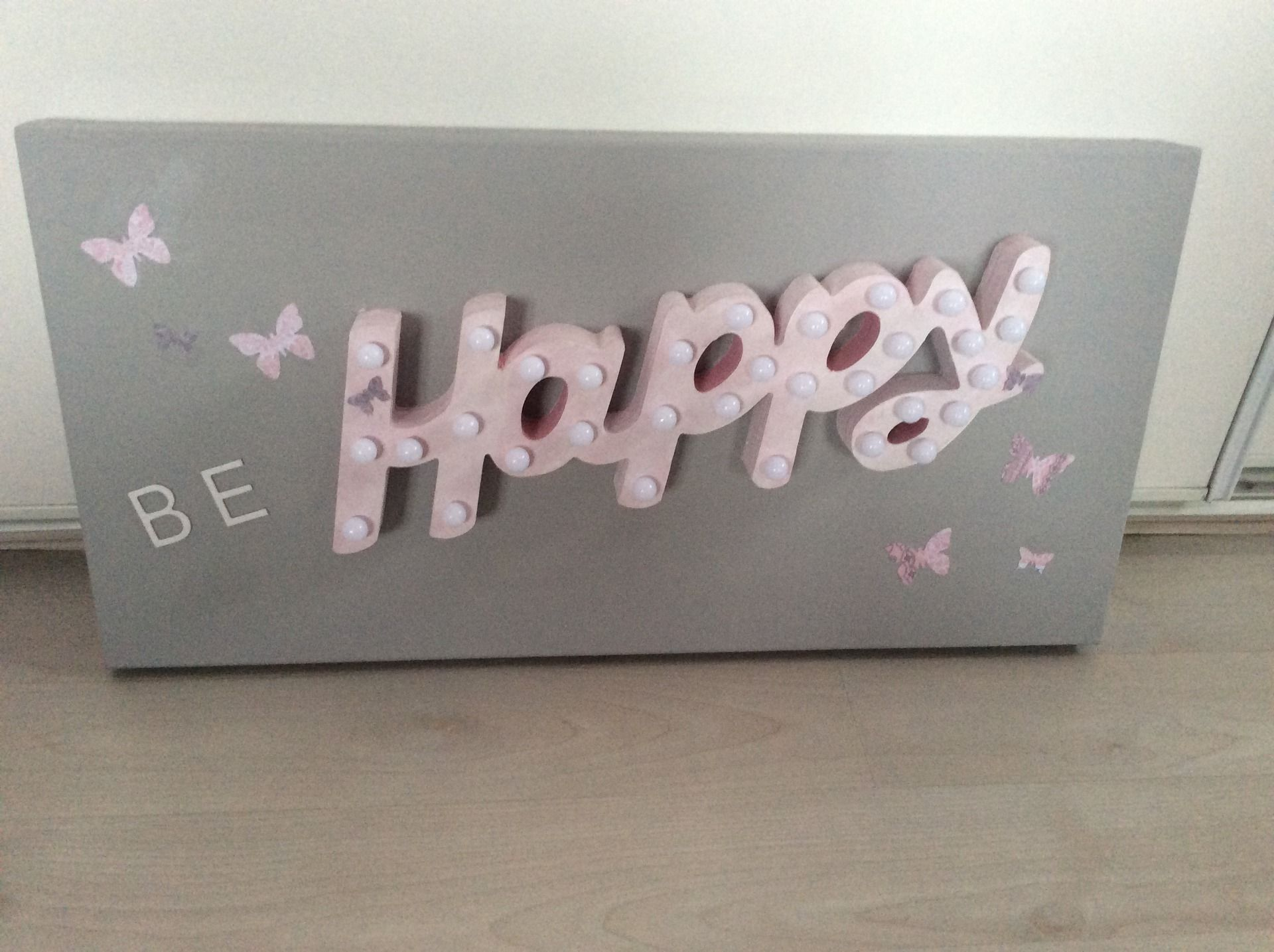 Tableau lumineux led be happy gris et rose p le for Rose pale et gris
