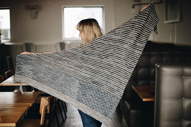 Ravelry: Logan Shawl pattern by Justyna Lorkowska