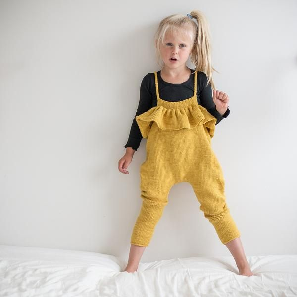 f0ddaa25 Hennys selebukse / paelas dungarees (norwegian and english) | Bebe ...
