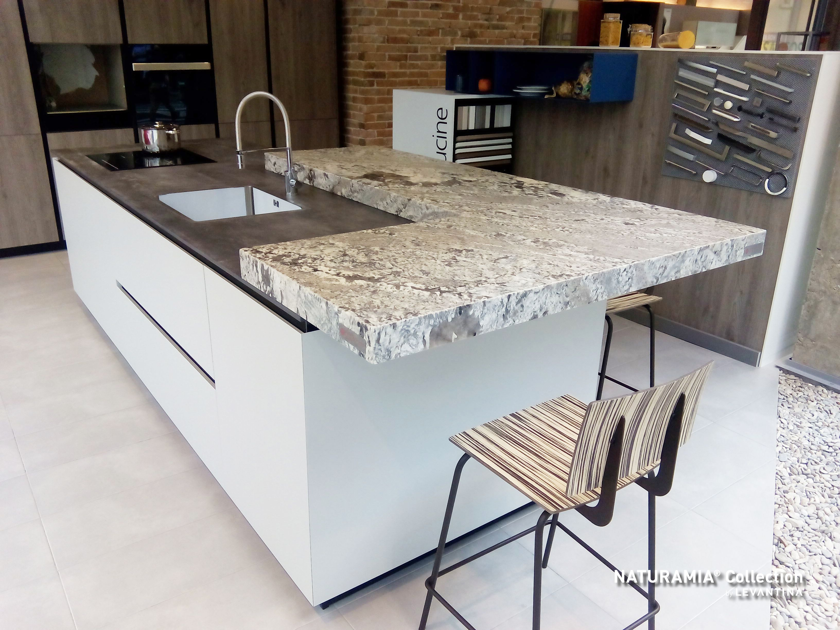 Lennon granite countertop naturamia collection for Encimeras de cocina granito precios
