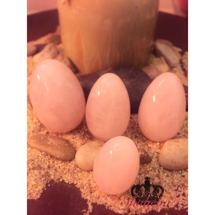 Rose Quartz is the perfect stone to bring love into your life as well as increase your self esteem, heal your heart chakra, and increase fertility! Use this powerful yet gentle and loving crystal to manifest your desires into reality as well as tone and enhance your yoni!  #rosequartz #yoniegg #yonieggs