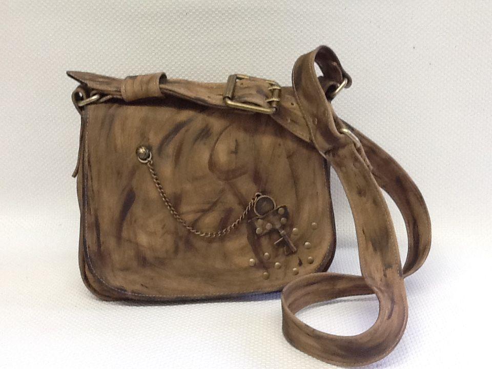 33ba10889 Bolsa em couro rústico,feita sob encomenda | Bolsas Vivian Lago ...