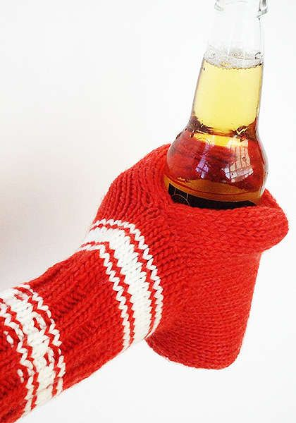 Beer Mitt - 5 Colors: Suzy Kuzy Fun gift to knit! Need pattern.