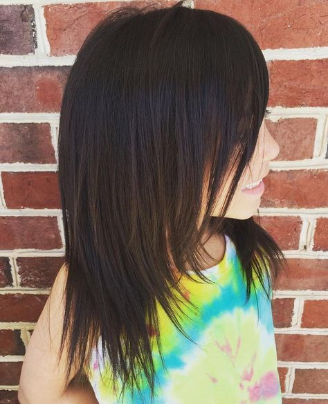 Layered+Mid-Length+Haircut+For+Girls
