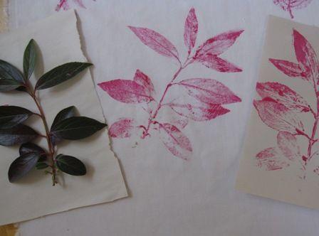 Print leaves on fabric!