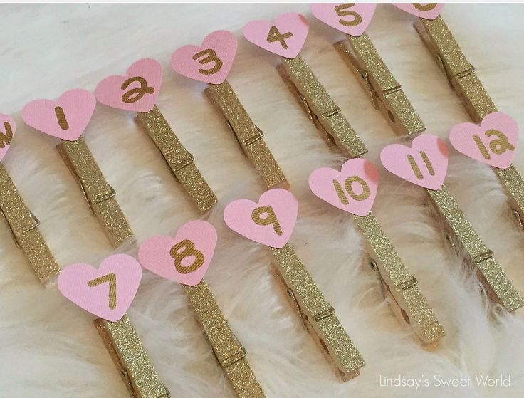 Lindsay's Sweet World: Pink and gold first birthday party - decorations