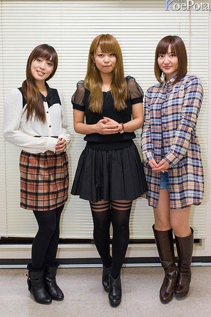 ミニスカート姿の日笠陽子さん