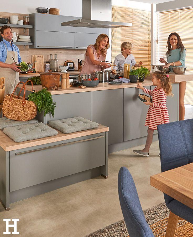 Traumhaft Wenn Beim Kochen Die Ganze Familie Zusammen Kommt Kuche Einrichtung Idee Kuche Kuche Planen Kuche Einrichten