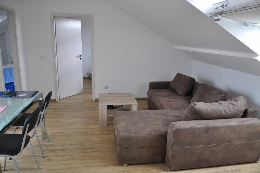 Sonniges Appartement Mit Loggia 2 Zimmer Wohnung Wohnung Etagenwohnung