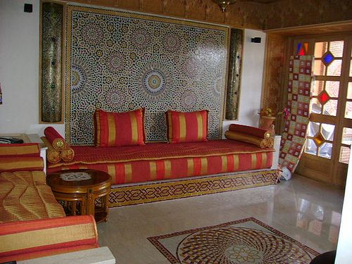 Moroccan Style Living Room Decor Ideas Using Grey Design Therapy Shelves Home