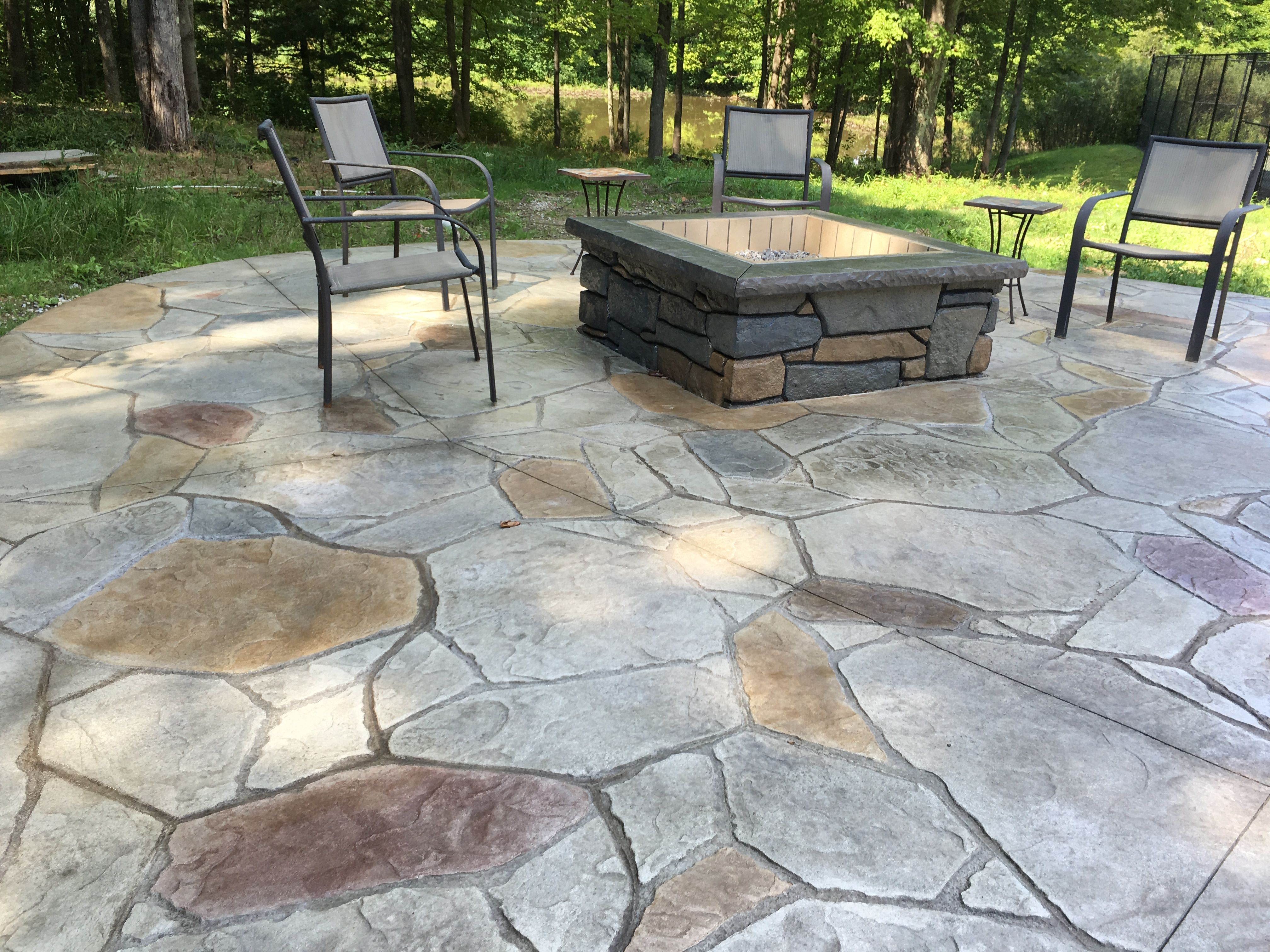 Delicieux Two Tier Arizona Flagstone Stamped Patio W/ Individually Stained Stones.