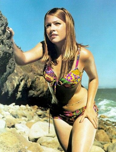 Melissa Joan Hart Bikini Pics