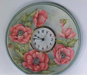 Poppies are so beautiful! Poppy Time Clock by Mary Wiseman http://www.hofcraft.com/ptwm130-poppy-time-clock-mary-wiseman.html