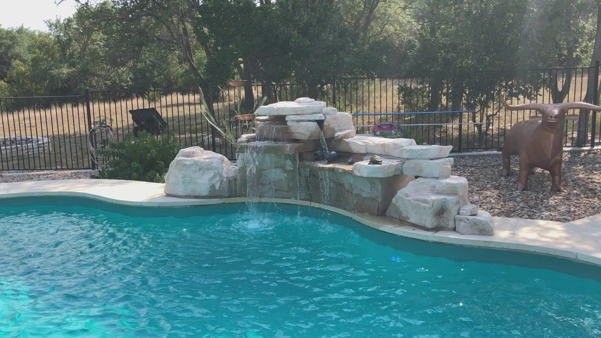 This Gorgeous Texas Pool Features The Ricorock 4 Foot Double Artificial Rock Swimming Pool Waterfall Kit Credit Pool Waterfall Swimming Pool Waterfall Pool