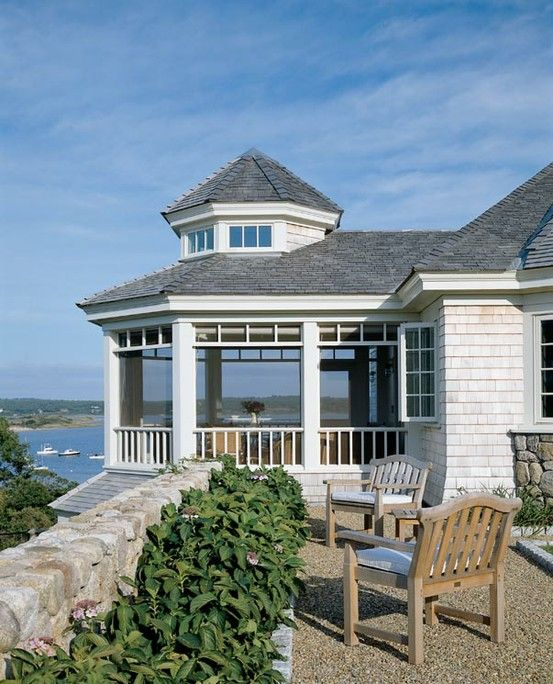 Waterfront Homes: Beautiful Sunporch For A Waterfront Home.