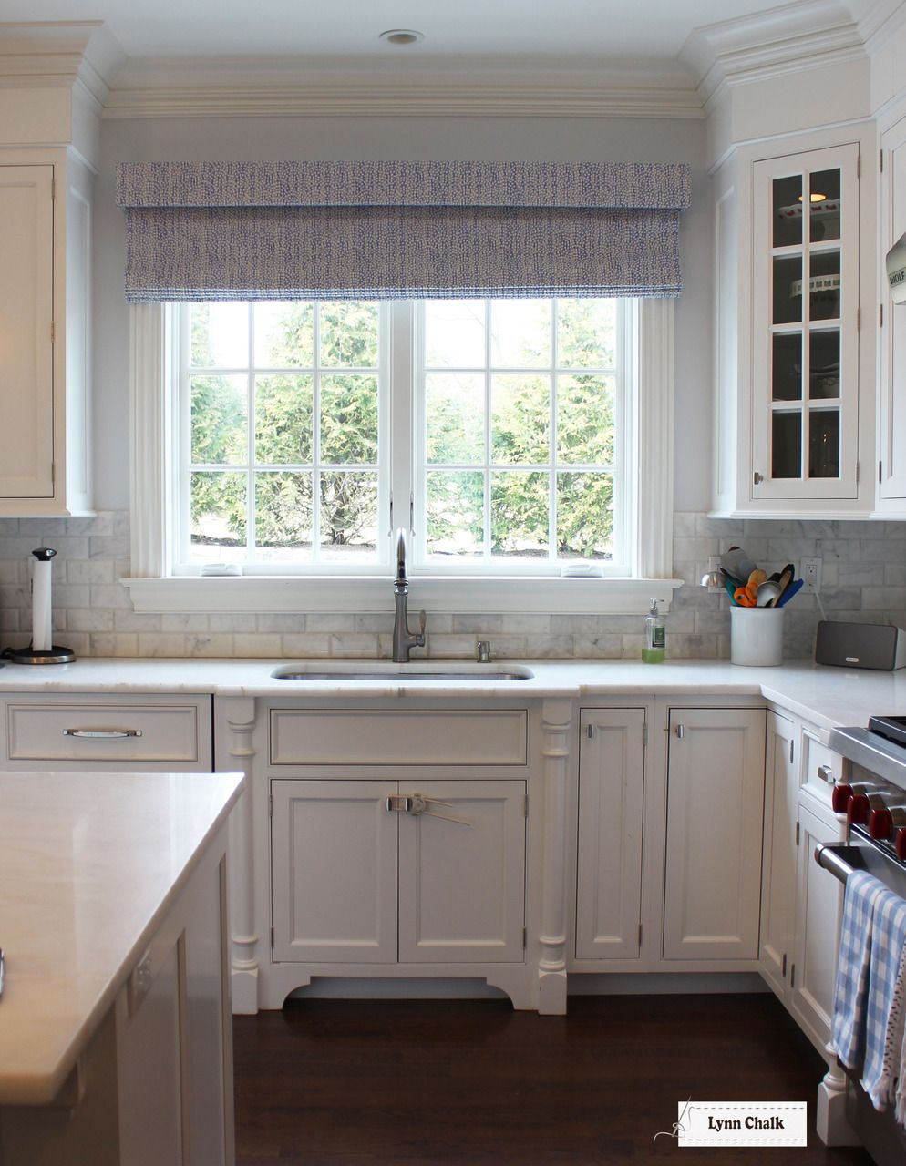 Quadrille Alan Campbell Mojave Roman Shades In Kitchen Shown In Periwinkle Comes On Other Colors Interior Design Kitchen Kitchen Interior Kitchen Remodel