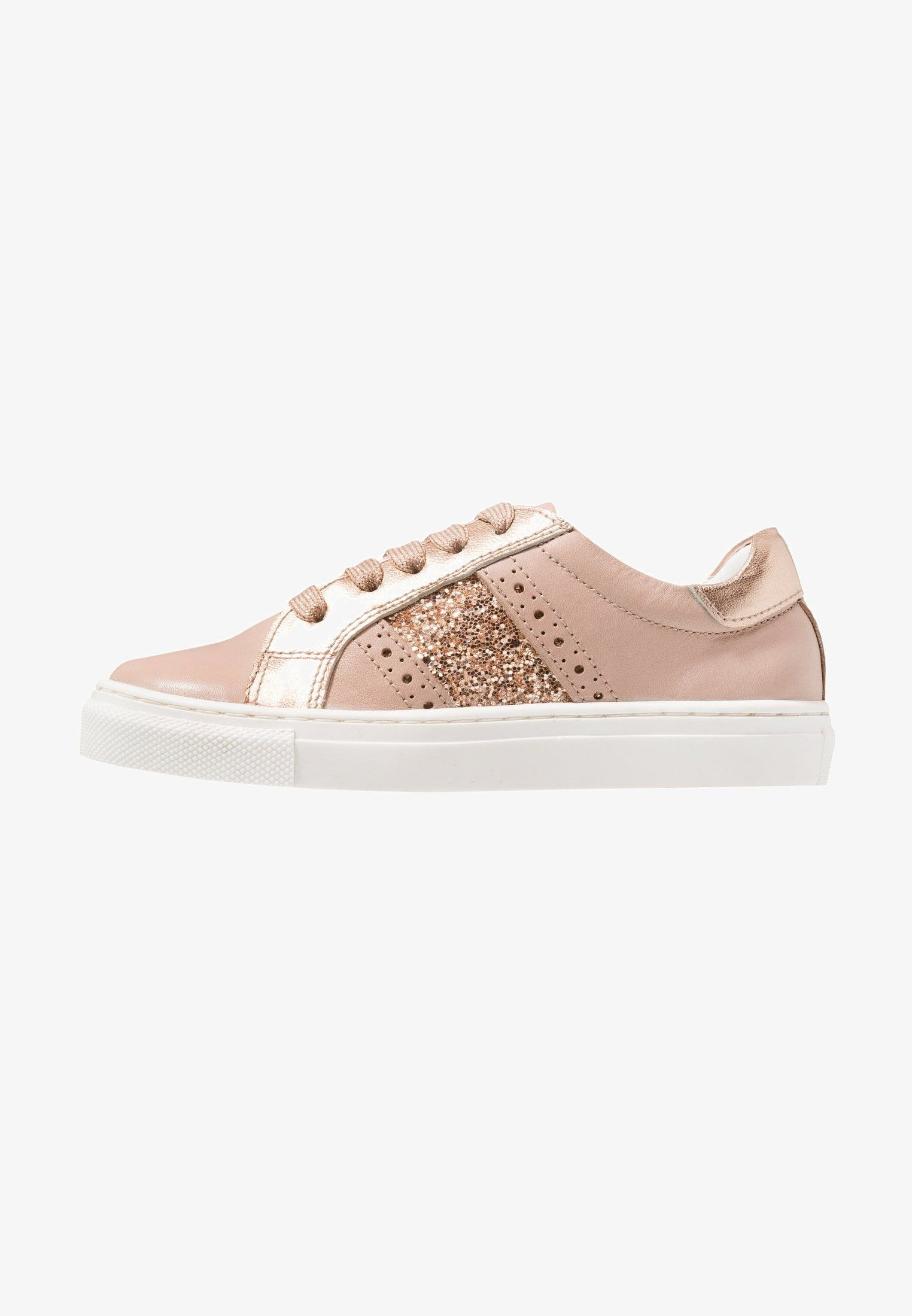 Trainers rose @ Zalando.co.uk </p>                     </div> 		  <!--bof Product URL --> 										<!--eof Product URL --> 					<!--bof Quantity Discounts table --> 											<!--eof Quantity Discounts table --> 				</div> 				                       			</dd> 						<dt class=