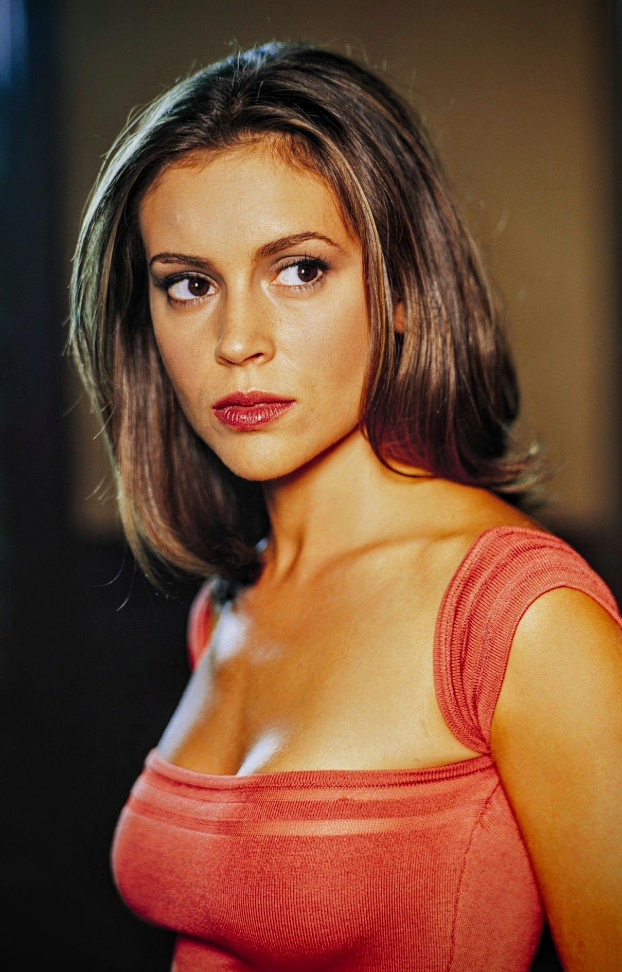 Pin By Bob Rickertsen On Beauty In 2019 Alyssa Milano Women Beauty
